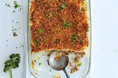 02 Maart 2017  - Appelmoes + kruimige aardappelen in de bonus = een oer-Hollandse ovenschotel die gegarandeerd lekker smaakt.- Recepten - Allerhande