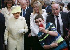 Pin for Later: Comment Agir Auprès De La Famille Royale, Le Guide Est-ce qu'on peut prendre un selfie?
