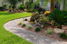 Its combination of two different shapes into one interlocking stone has made Decor a very popular choice for both residential and commercial projects. Paver Walkway, Brick Pavers, Hardscape Design, Backyard, Patio, Tampa Florida, Outdoor Living, Outdoor Decor, Pathways