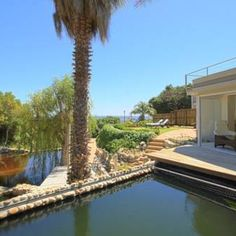 Ocean View House in Cape Town. We help you find the best boutique hotels in Cape Town.