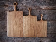 Wooden Oak Chopping Boards with Handle Rustic Cutting Board Oak Chopping Board, Wooden Chopping Boards, Wooden Bread Board, Rustic Cutting Boards, Engraved Cutting Board, Personalized Cheese Board, Wooden Plates, Linseed Oil, Hacks