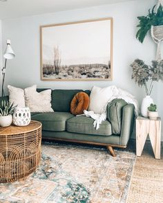Boho Living Room, Apartment Living, Home And Living, Living Spaces, Living Room Decor Green Couch, Living Room Inspiration, Home Decor Inspiration, Home And Deco, Room Colors