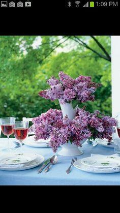 Flores moradas en dos niveles