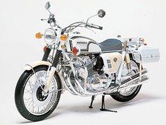 Tamiya 16004 1 6 Honda Police Bike Kit for sale online Motorcycle Model Kits, Brat Bike, Scrambler Motorcycle, Motorcycle Design, Classic Motorcycle, Motorcycle Garage, Classic Bikes, Honda Cb750, Honda Scrambler