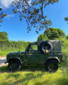 Defender 90, Land Rovers, Countryside, I Can, Wheels, Canning, Photo And Video, Instagram, Home Canning