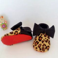 Leopard bow red sole moccs