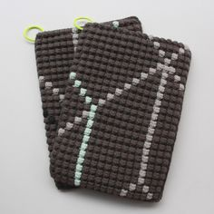 Lutter Idyl: Crochet potholders with bubbles and neon-details (with pattern in danish)