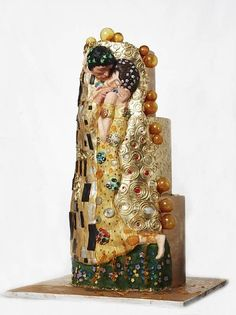 "Klimt ""The Kiss"" cake"