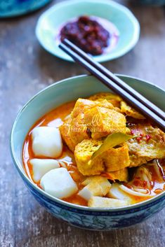 My Small Kitchen: Mee Kari Ala Cina Milo Drink, Malaysian Food, Thai Red Curry, Noodles, Cooking Recipes, Pasta, Utensils, Ramen, Ethnic Recipes