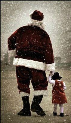<3<3 Santa