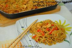 Grilled Spaghetti with Vegetables and Chicken- Spaghetti alla Piastra are a specialty of Chinese cuisine based on noodles, the typical Asian spaghetti that can be rice, soy, f - Sushi Recipes, Asian Recipes, Cooking Recipes, Ethnic Recipes, Appetizer Recipes, I Love Food, A Food, Food And Drink, Asian Spaghetti