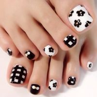 ill_nailさんも使ってるネイルブック。毎日最旬新着ネイル続々♪流行のデザインが丸わかり! Pedicure Designs, Pedicure Nail Art, Toe Nail Designs, Nail Polish Designs, Toe Nail Art, Cute Toe Nails, Pretty Nails, Hair And Nails, My Nails