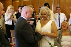 Couple Lorraine Marsh and Shane Green get married after bride is given just weeks to live | Metro News