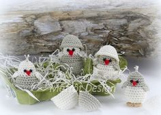 Marrot Design - Baby kylling i æggeskal Baby Chickens, Baby Design, Miniatures, Christmas Ornaments, Holiday Decor, Crochet, Images, Home Decor, Amigurumi