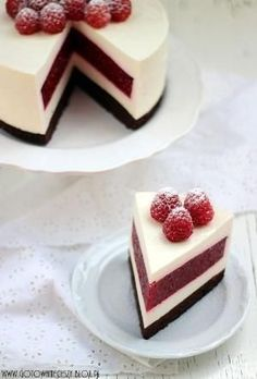 Raspberry cheesecake- My favourite dessert ever! No Bake Desserts, Just Desserts, Delicious Desserts, Dessert Recipes, Yummy Food, Raspberry Cheesecake, Cheesecake Recipes, Raspberry Cake, Cheesecake Cake