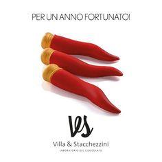 Per un anno fortunato! V&S è creatività e professionalità con il migliore cioccolato. www.villaestacchezzini.it