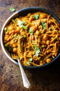 Veggie Noodle Curry Bowls