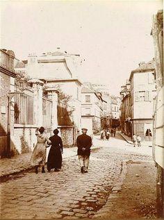 La rue Norvins vers 1910. Une photo de © Charles-Augustin Lhermitte  (Paris 18ème)