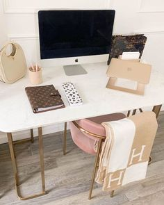 Office Office, Cool Office Space, Office Cubicles, Office Chairs, Bedroom Furniture Sets, Furniture Design, Home Furniture, Bedroom Sets, Furniture Ideas