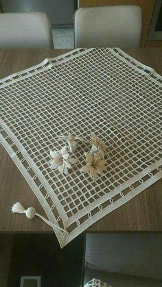 Cotton and HandMade tablecloth Crochet Motifs, Freeform Crochet, Crochet Stitches Patterns, Crochet Doilies, Cross Stitch Patterns, Crochet Cushions, Crochet Tablecloth, Crochet Home, Irish Crochet