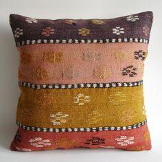Sukan / SOFT Hand Woven - Turkish Kilim Pillow Cover
