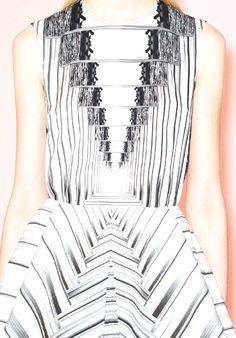 patternprints journal: PRINTS AND PATTERNS FROM PRE-SUMMER 2014 FASHION COLLECTIONS / 16 (Peter Pilotto)