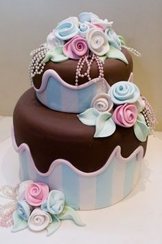 Amazing Cakes / Beautiful http://timelesstreasure.theaspenshops.com/amazing-bridal-shower-wedding-cookies.html