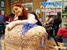 bibble looks so good! and i might think about doing it.It's dyed carmel popcorn Carmel Popcorn, Victorious Cast, Rum Cake, Cat Valentine, Ariana Grande, Bean Bag Chair, Deserts, Recipes, Rezepte