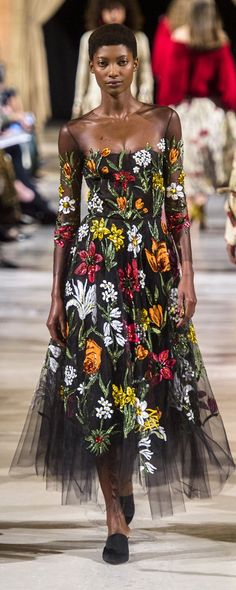 Embroidery Dress Haute Couture Fall Winter Ideas For 2019 Runway Fashion, High Fashion, Fashion Show, Womens Fashion, Fashion Design, Embroidery Fashion, Embroidery Dress, Floral Fashion, Fashion Dresses