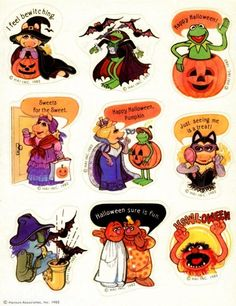 """I'm dreaming of a green Christmas!"" Vintage Muppets stickers from the Rare Zoot appearance! Zoot has always been one of my favorites. Usually the merchandise focused on Kermit and Piggy, with Fozzie, Animal and Gonzo right behind. Halloween Stickers, Halloween Signs, Halloween Candy, Halloween Queen, Halloween Inspo, Retro Halloween, Halloween Images, Outdoor Halloween, Halloween Horror"