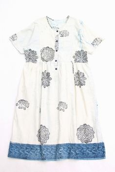as a girls dress, hand-printed with an accent. 象プリント ワンピース