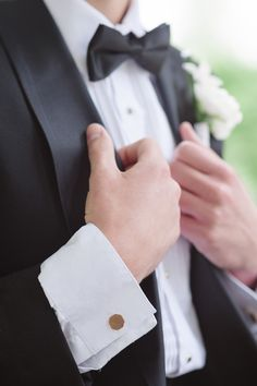#Groom dressed to the nines #blacktie Photography: Stacy Able - stacyable.com  Read More: http://stylemepretty.com/2013/10/22/downton-abby-styled-shoot-from-stacy-able/