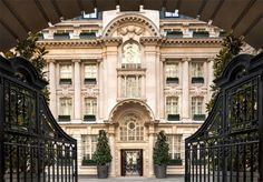 A five-star stay in a luxury, award-winning London hotel near Covent Garden, with a choice of rooms and optional breakfast