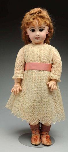 Dramatic Jumeau Bébé Doll. : Lot 66