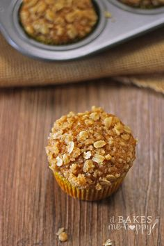 Healthy Cinnamon Pumpkin Muffins with Streusel Topping