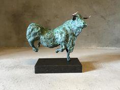 Dancing Bull unique bronze sculpture  http://www.moniquespapens.nl/bronzen-stier-dancing-bull/