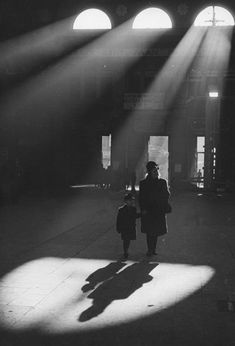 © Walter Lüden Frankfurt train station, 1946