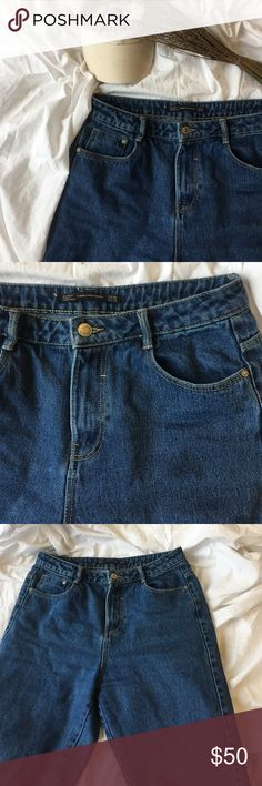 Zara Mom Jeans Excellent condition but fit me too big now! Ankle cut Zara Pants Ankle & Cropped