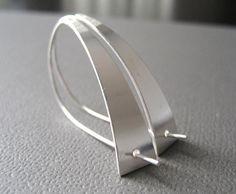 Modernista Sterling Silver Earrings Sleek Earrings par CuteJewels