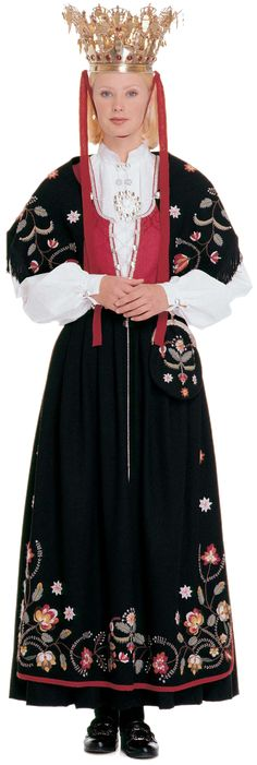 Wings of Whimsy: Traditional Norwegian Bride - Rogaland Norwegian Clothing, Scandinavian Wedding, Norway Viking, Art Populaire, Folk Fashion, Women's Fashion, Bridal Crown, Folk Costume, Textiles
