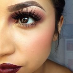 I love her eyelashes because of the  volume and length. This is the beauty of using false eyelashes. You can get volume by having your real eyelashes at a different length than the false eyelashes.