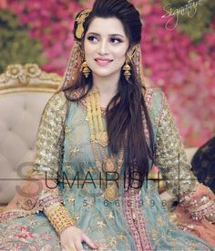 wedding hairstyles pakistani Wedding Hairstyles Pakistani Mehndi New Ideas Pakistani Bridal Hairstyles, Pakistani Bridal Makeup, Bridal Mehndi Dresses, Bridal Dress Design, Pakistani Wedding Dresses, Blue Wedding Dresses, Bridal Outfits, Bridal Lehenga, Bridal Style