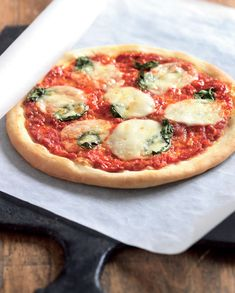 Máte chuť na dobrou pizzu – upečte si ji sami! Pepperoni, Mozzarella, Vegetable Pizza, Vegetables, Food, Meal, Eten, Vegetable Recipes, Meals