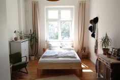 Zum Träumen: Gemütliches Schlafzimmer in Berliner Altbauwohnung  #Wohnen #Berlin #Schlafzimmer #Altbau