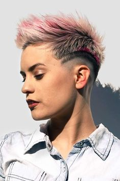There is no doubt that there are hundreds of cute short haircuts out there waiting for you. We created this exclusive list of top short haircuts to ease your life and to help you come up with a perfect choice! Funky Haircuts, Cute Short Haircuts, Funky Hairstyles, Pretty Hairstyles, Pixie Haircut 2016, Punk Pixie Haircut, Short Hair Cuts, Short Hair Styles, Edgy Pixie Cuts