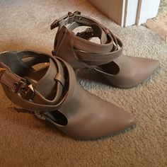Nice heels with pretty color Very nice heels wore once and it has a golden buckles with gives a shoes extra style Anne Michelle Shoes Ankle Boots & Booties