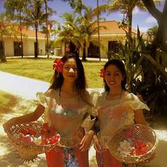 Mestiza Chamorro dress- Google Image Result for http://ns.gov.gu/icons/twogirls.jpg