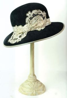louise green pearl lace brim