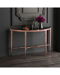 Look this gorgeous console table ! Discover more: www.modernconsoletables.net | #consoletable #modernconsoletable #halltables