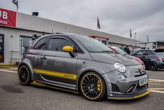 Need some grilling gift ideas? ✩ Check out this list of creative present ideas for bbq and grilling fans Fiat 500c, Fiat Abarth, Small Sports Cars, Small Cars, Diesel Tuning, Fiat Sport, Mini Cooper Custom, New Fiat, Fiat Cars